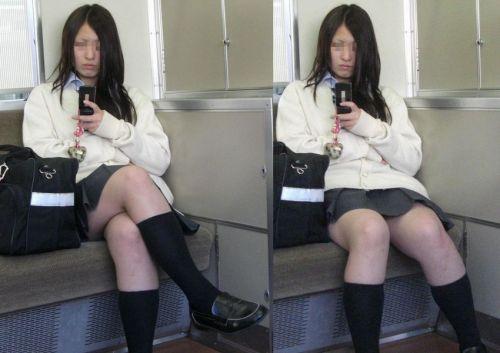 【画像】電車で向かい席にミニスカJKが座ったらとりあえず視姦しちゃうよなwwww 37枚 No.9