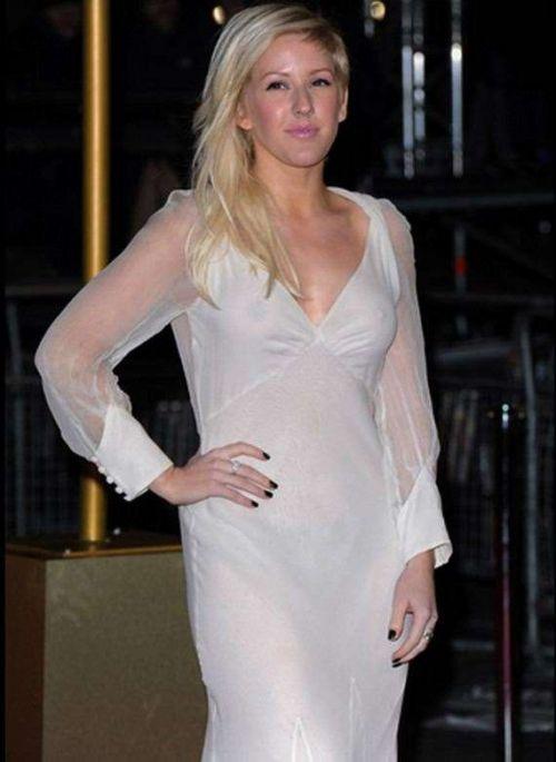 【エロ画像】海外セレブの間ではスケ乳首のファッションが大人気らしいwww 33枚 No.3