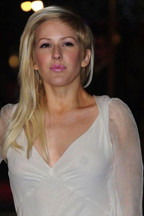 【エロ画像】海外セレブの間ではスケ乳首のファッションが大人気らしいwww 33枚 No.16