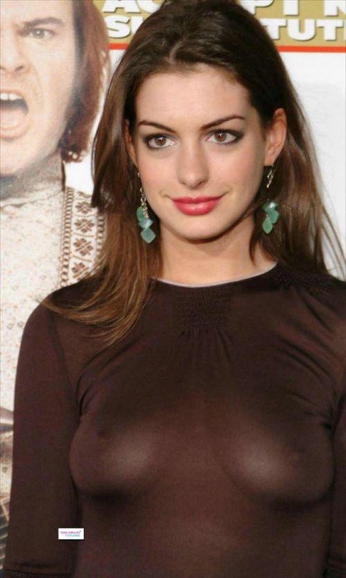 【エロ画像】海外セレブの間ではスケ乳首のファッションが大人気らしいwww 33枚 No.20