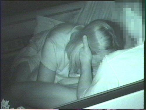 カーセックスしている素人カップルを赤外線カメラで盗撮したエロ画像 39枚 No.28