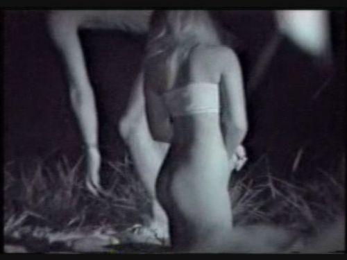 【エロ画像】野外セックス中のカップルを赤外線カメラで盗撮した結果www 33枚 No.10