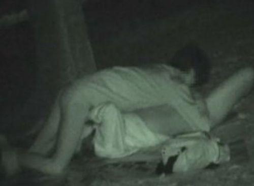 【エロ画像】野外セックス中のカップルを赤外線カメラで盗撮した結果www 33枚 No.32