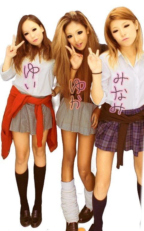 【エロ画像】女子高生達がプリクラで弾けて悪ノリし過ぎwww 39枚 No.15