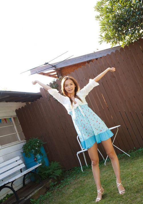 丘咲エミリ長髪で子顔の美脚スレンダーな綺麗なお姉さんのエロ画像 150枚 No.12