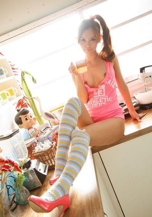 丘咲エミリ長髪で子顔の美脚スレンダーな綺麗なお姉さんのエロ画像 150枚 No.16