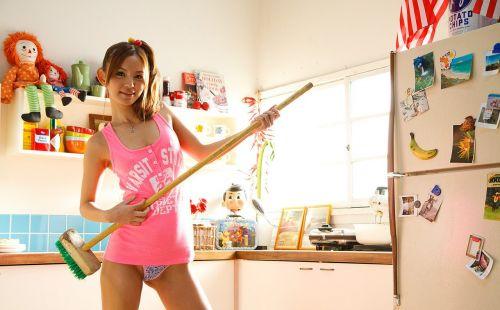 丘咲エミリ長髪で子顔の美脚スレンダーな綺麗なお姉さんのエロ画像 150枚 No.18