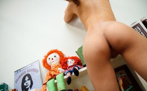 丘咲エミリ長髪で子顔の美脚スレンダーな綺麗なお姉さんのエロ画像 150枚 No.34