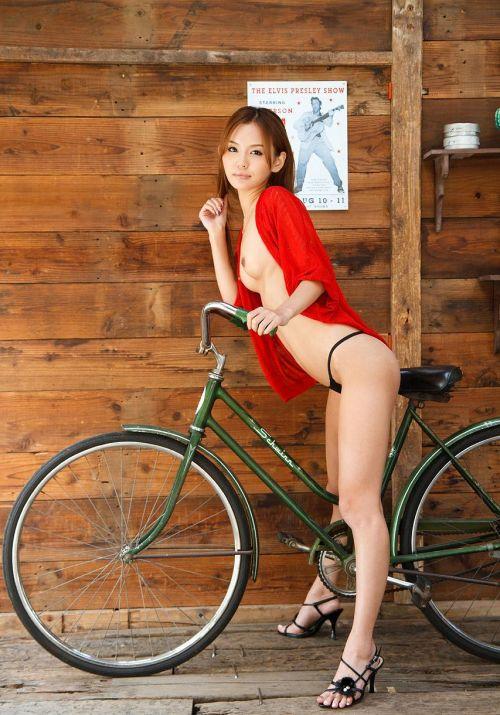 丘咲エミリ長髪で子顔の美脚スレンダーな綺麗なお姉さんのエロ画像 150枚 No.39