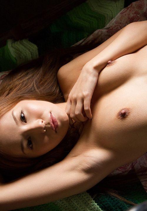 丘咲エミリ長髪で子顔の美脚スレンダーな綺麗なお姉さんのエロ画像 150枚 No.77