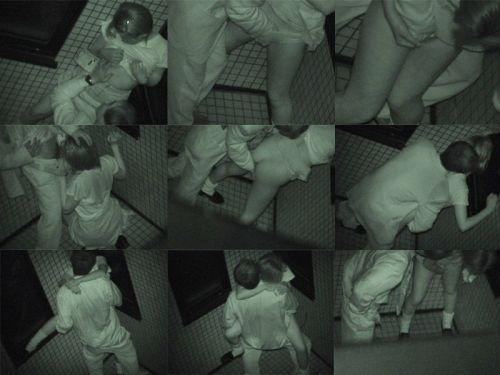 野外で後背位セックスしてるカップルを赤外線カメラで盗撮したエロ画像www 34枚 No.31