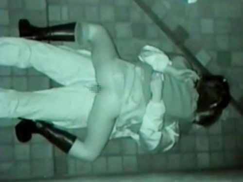 野外で騎乗位セックスしているカップルを赤外線カメラで盗撮エロ画像 45枚 No.8