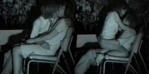 野外で騎乗位セックスしているカップルを赤外線カメラで盗撮エロ画像 45枚 No.16