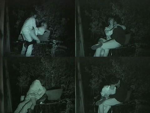 野外で騎乗位セックスしているカップルを赤外線カメラで盗撮エロ画像 45枚 No.21