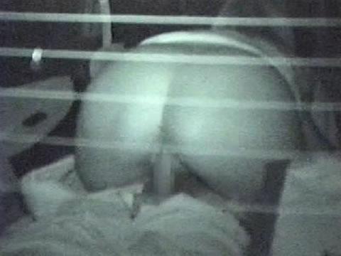 野外で騎乗位セックスしているカップルを赤外線カメラで盗撮エロ画像 45枚 No.30