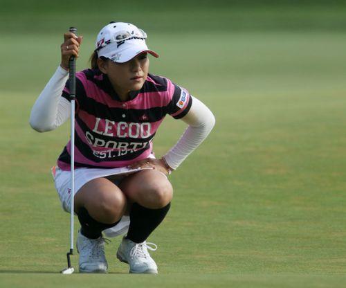 女子プロゴルファーのお宝パンチラ・太ももたっぷりエロ画像まとめ 39枚 No.1