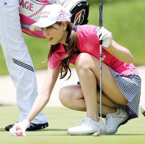 女子プロゴルファーのお宝パンチラ・太ももたっぷりエロ画像まとめ 39枚 No.35