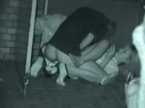 赤外線カメラで野外正常位セックス中のカップルを盗撮したエロ画像 45枚 No.5