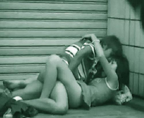 赤外線カメラで野外正常位セックス中のカップルを盗撮したエロ画像 45枚 No.10