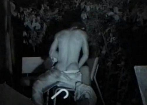 赤外線カメラで野外正常位セックス中のカップルを盗撮したエロ画像 45枚 No.41