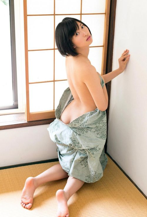 【エロ画像】100cm巨尻アイドル倉持由香の尻がエロ過ぎワロタwww 122枚 No.40