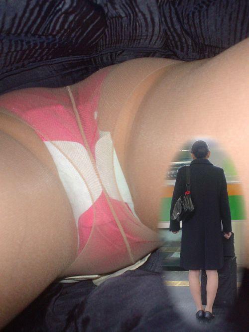 【盗撮画像】素人のナプキン付きパンティを逆さ撮りしたったwww 36枚 No.7