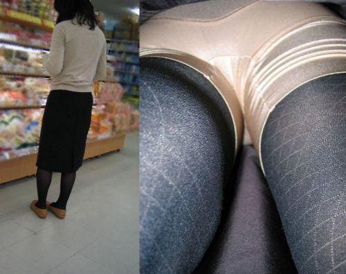 【盗撮】素人熟女の逆さ撮り画像で履いてるパンティのエロさを比較しようぜwww 42枚 No.15