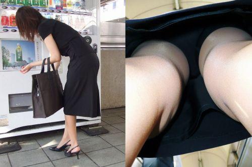 【盗撮】素人熟女の逆さ撮り画像で履いてるパンティのエロさを比較しようぜwww 42枚 No.17