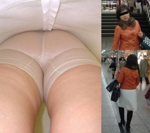 【盗撮】素人熟女の逆さ撮り画像で履いてるパンティのエロさを比較しようぜwww 42枚 No.36