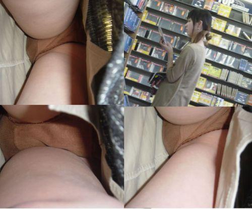 【盗撮】素人熟女の逆さ撮り画像で履いてるパンティのエロさを比較しようぜwww 42枚 No.38