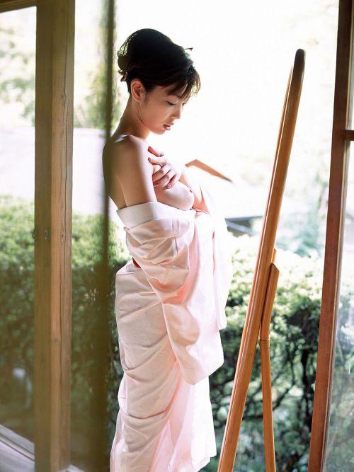 おっぱい丸出しの浴衣姿の美少女があまりにもエロ過ぎる画像 35枚 No.30