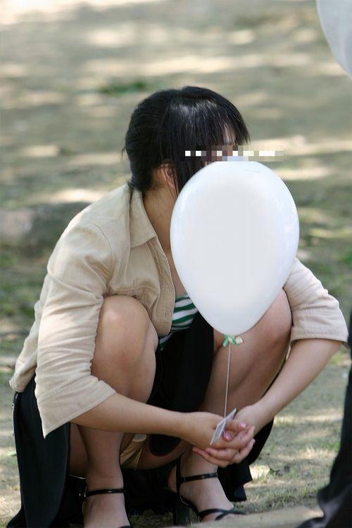 【盗撮】素人の熟女・人妻がしゃがみパンチラしてるエロ画像まとめ 34枚 No.25