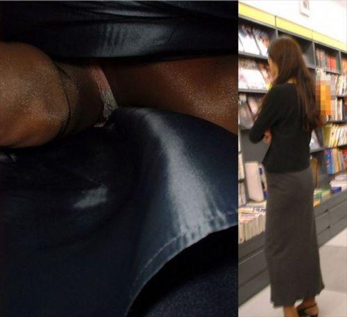 黒ストッキングを履いた人妻や熟女限定!逆さ撮り盗撮画像まとめ 42枚 No.23