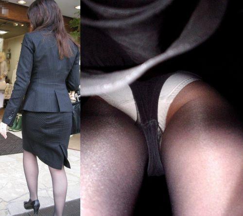 黒ストッキングを履いた人妻や熟女限定!逆さ撮り盗撮画像まとめ 42枚 No.37