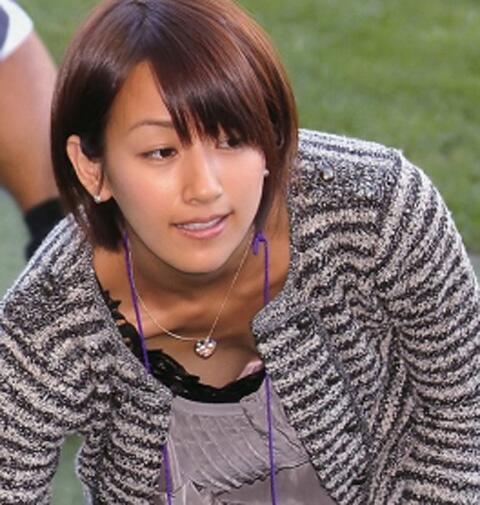女子アナのテレビハプニングパンチラ画像が知的エロで抜けるwww 31枚 No.28