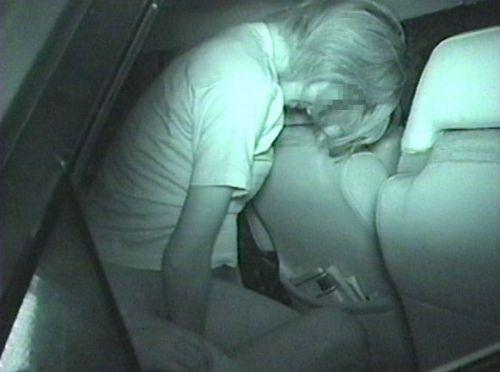 【画像】カーセックスしているバカップルを赤外線カメラで盗撮したったwww 38枚 No.19