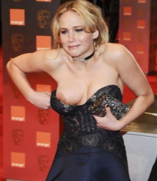 おっぱい見せやハプニングが人気のステータスなハリウッド女優のエロ画像 35枚 No.2