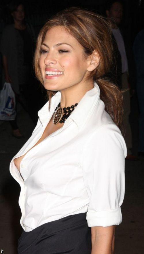 おっぱい見せやハプニングが人気のステータスなハリウッド女優のエロ画像 35枚 No.18