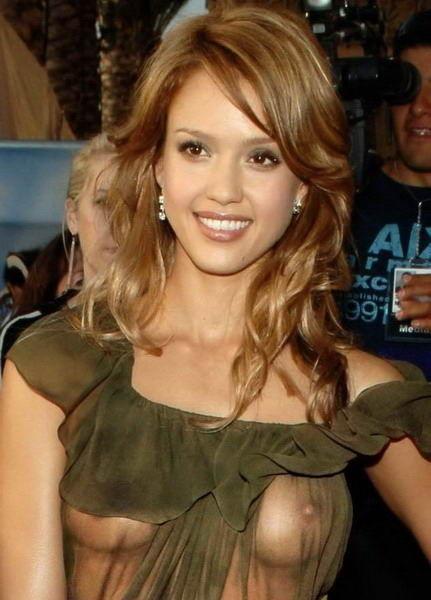 おっぱい見せやハプニングが人気のステータスなハリウッド女優のエロ画像 35枚 No.25
