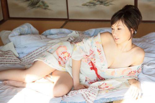 浴衣をずらして色気を出してくるお姉さんに興奮しちゃうエロ画像 37枚 No.27