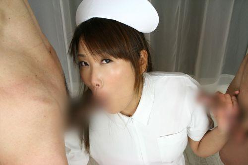ナースが患者にフェラして溜まった性欲を発散させてあげるエロ画像 30枚 No.10