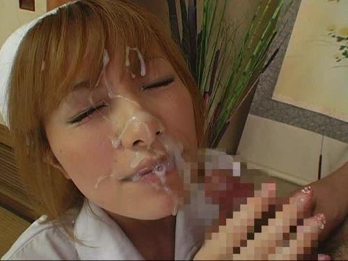 ナースが患者にフェラして溜まった性欲を発散させてあげるエロ画像 30枚 No.19