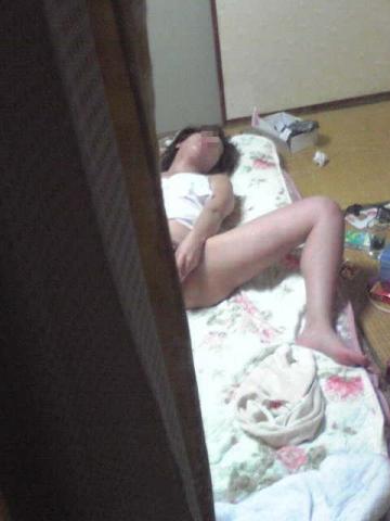 【エロ画像】女の子がバイブオナニーしてるのを覗き見盗撮した結果www 35枚 No.12