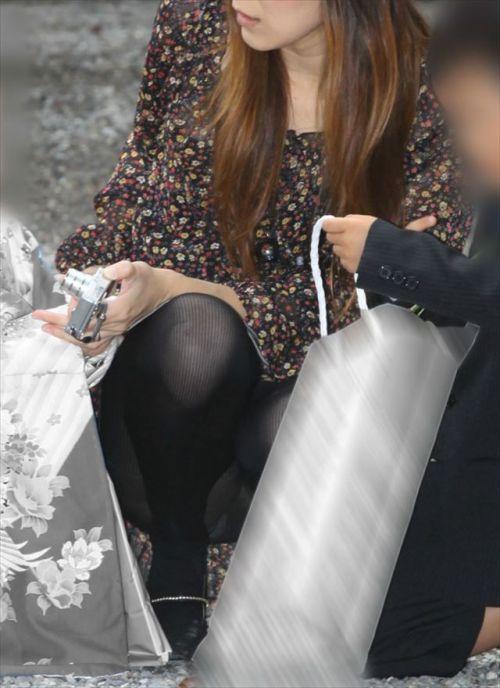 黒ストッキングお姉さんのしゃがみパンチラ盗撮画像まとめ 36枚 No.30