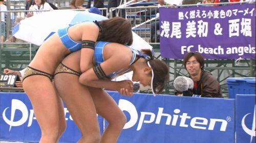 元ビーチバレー浅尾美和の試合中の胸チラ・股間・お尻を盗撮したエロ画像 51枚 No.11