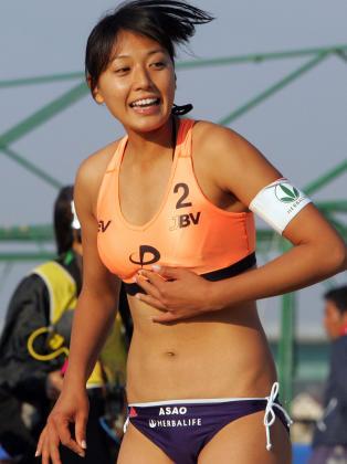 元ビーチバレー浅尾美和の試合中の胸チラ・股間・お尻を盗撮したエロ画像 51枚 No.23