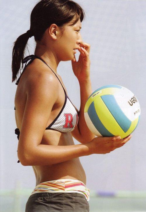 元ビーチバレー浅尾美和の試合中の胸チラ・股間・お尻を盗撮したエロ画像 51枚 No.24