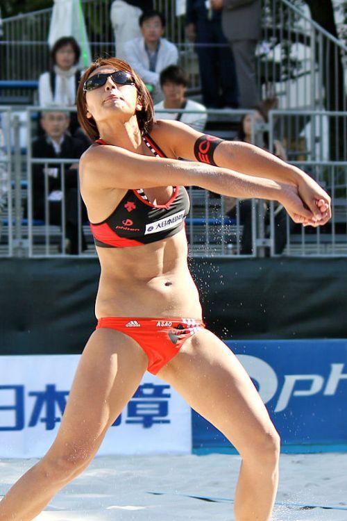 元ビーチバレー浅尾美和の試合中の胸チラ・股間・お尻を盗撮したエロ画像 51枚 No.29