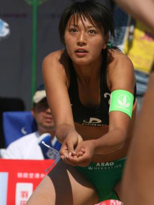 元ビーチバレー浅尾美和の試合中の胸チラ・股間・お尻を盗撮したエロ画像 51枚 No.32