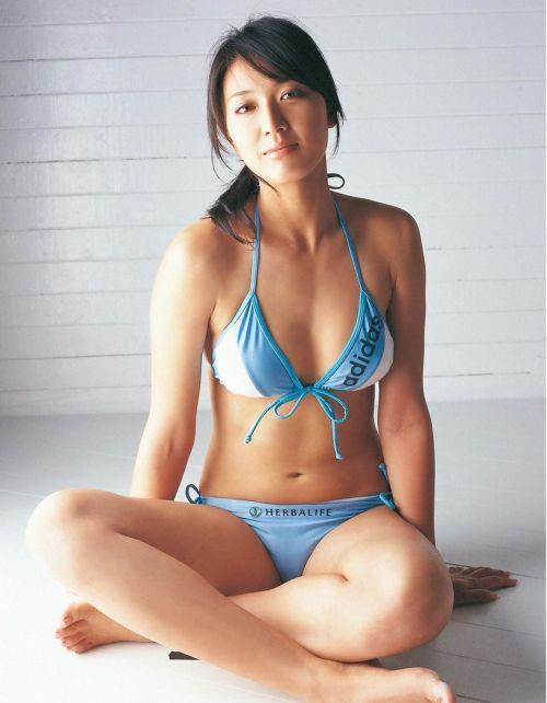 元ビーチバレー浅尾美和の試合中の胸チラ・股間・お尻を盗撮したエロ画像 51枚 No.36